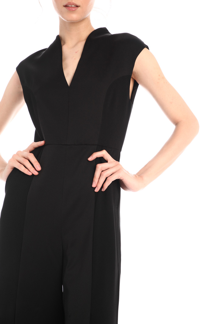 Crepe jumpsuit with slits Intrend