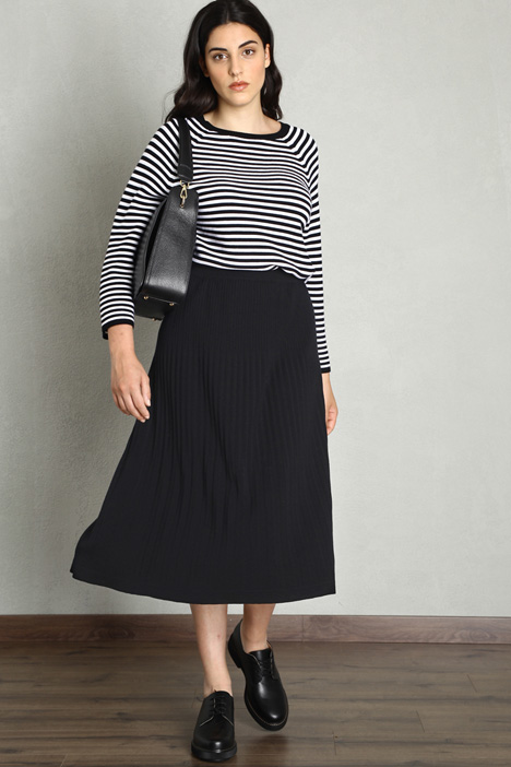 Pleated wool skirt Intrend
