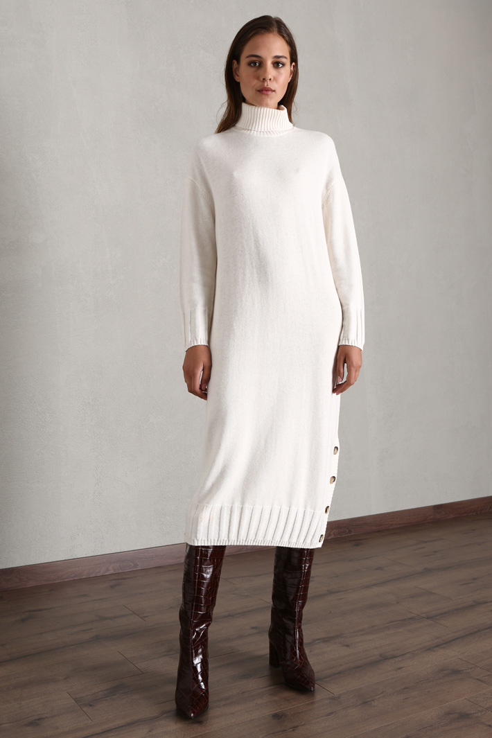 Knitted midi dress Intrend