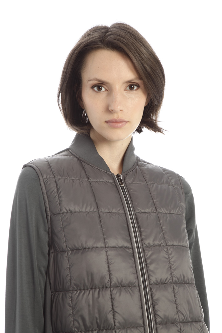 Double-fabric vest Intrend
