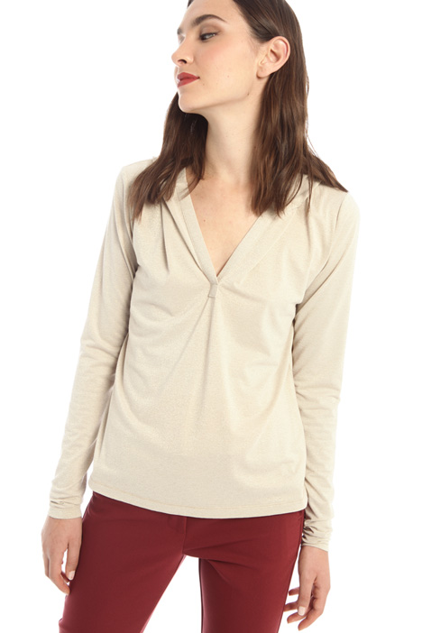 Laminated hooded top Intrend