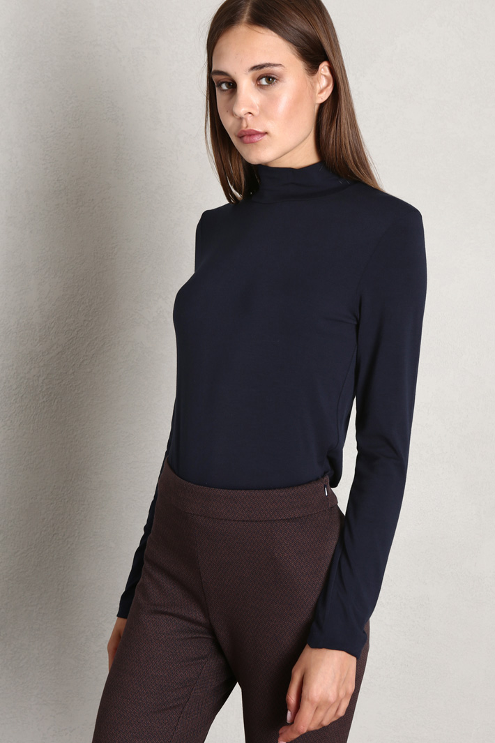 Fitted jersey turtleneck Intrend