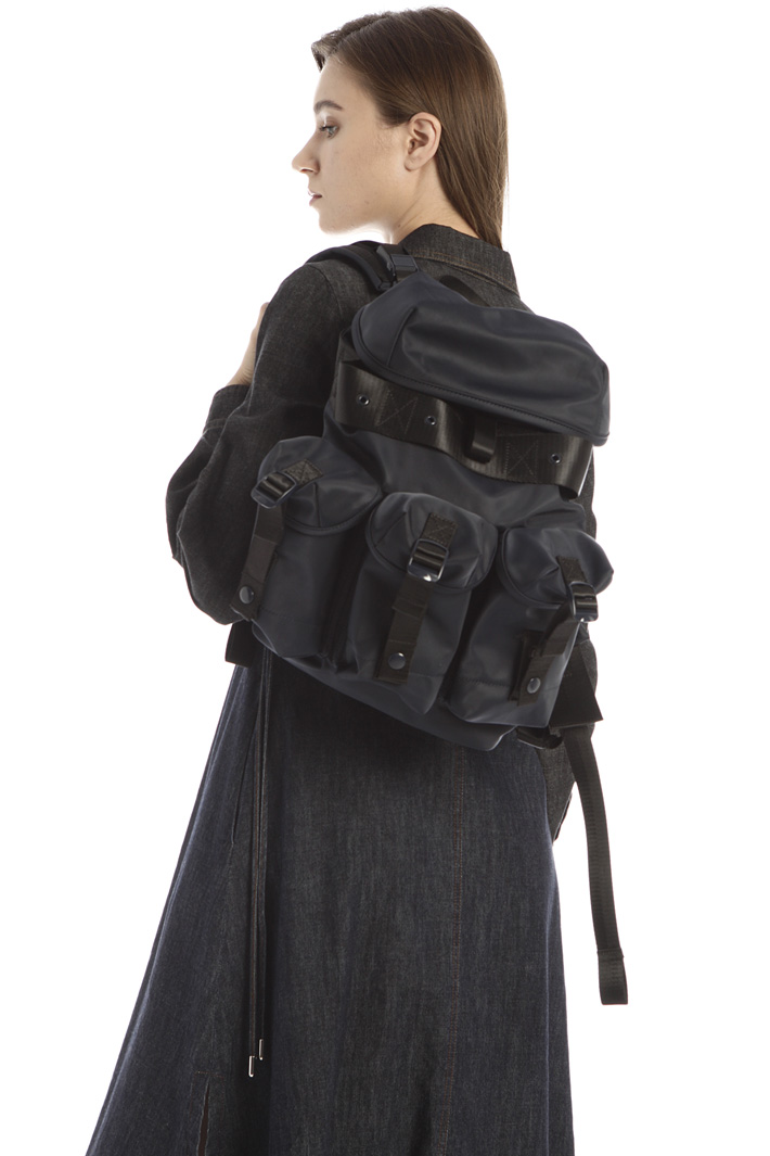 Tech satin backpack Intrend