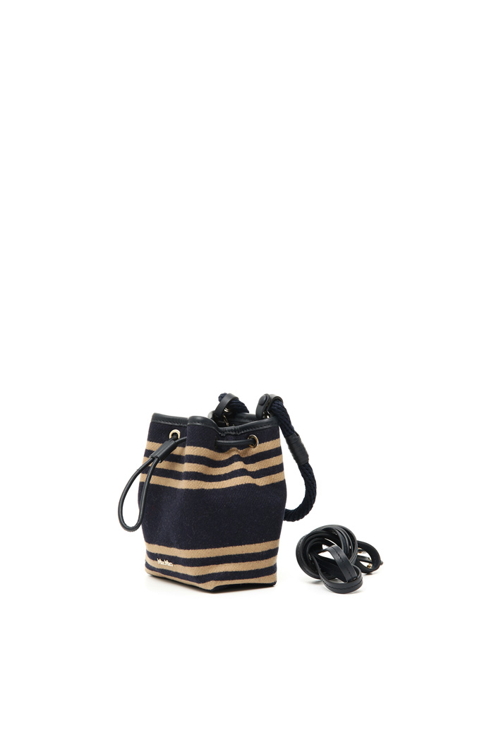 Wool and cashmere bucket bag Intrend