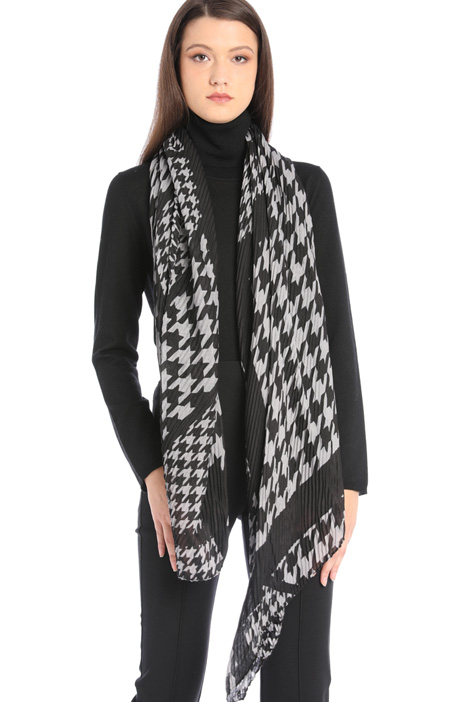 Pleated fancy print scarf Intrend