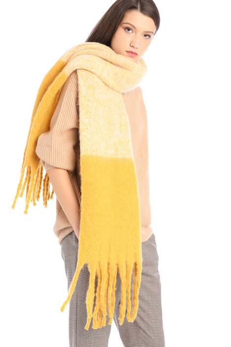 Soft fringed scarf Intrend