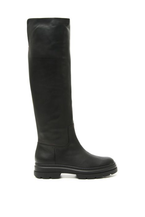 Treaded sole leather boots Intrend