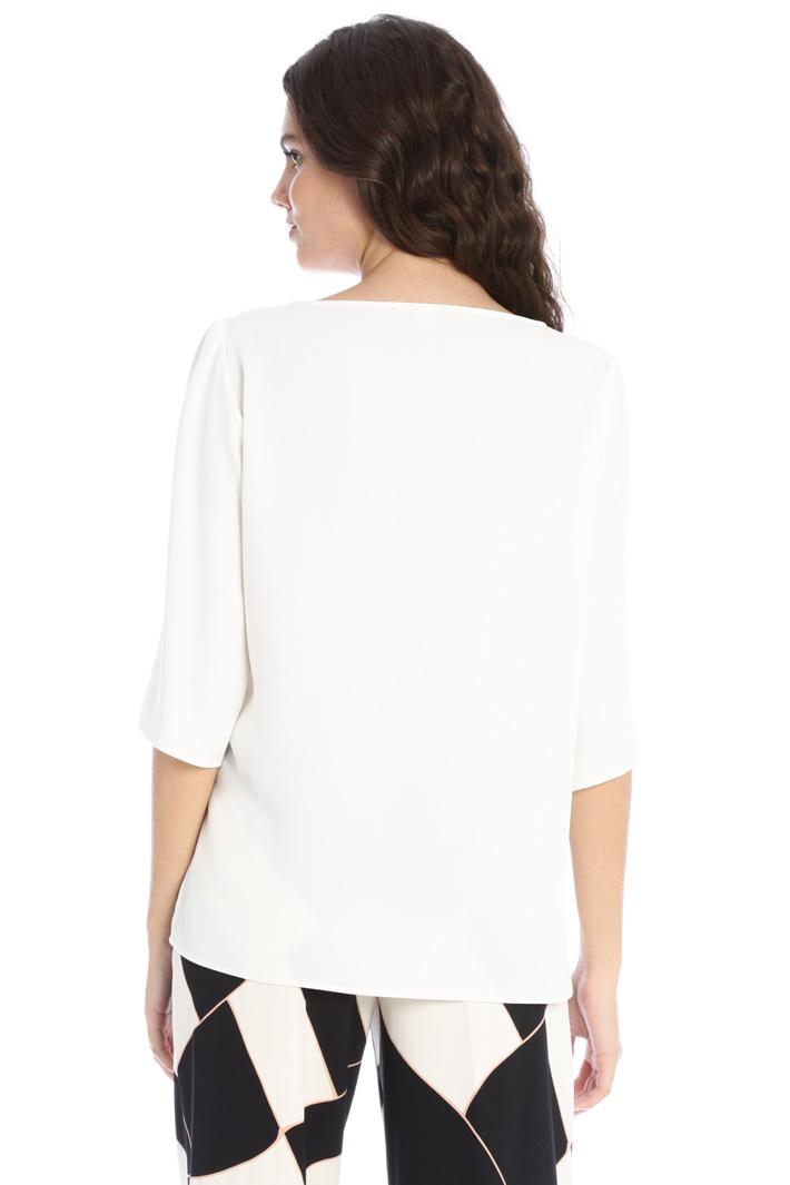 Asymmetrical crepe blouse Intrend