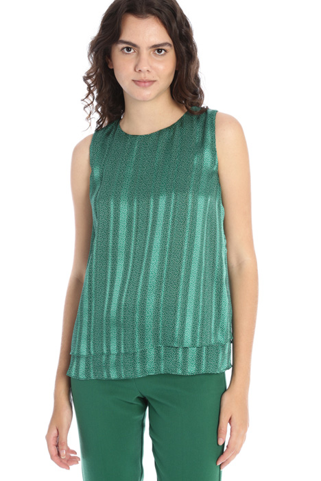 Layered top Intrend