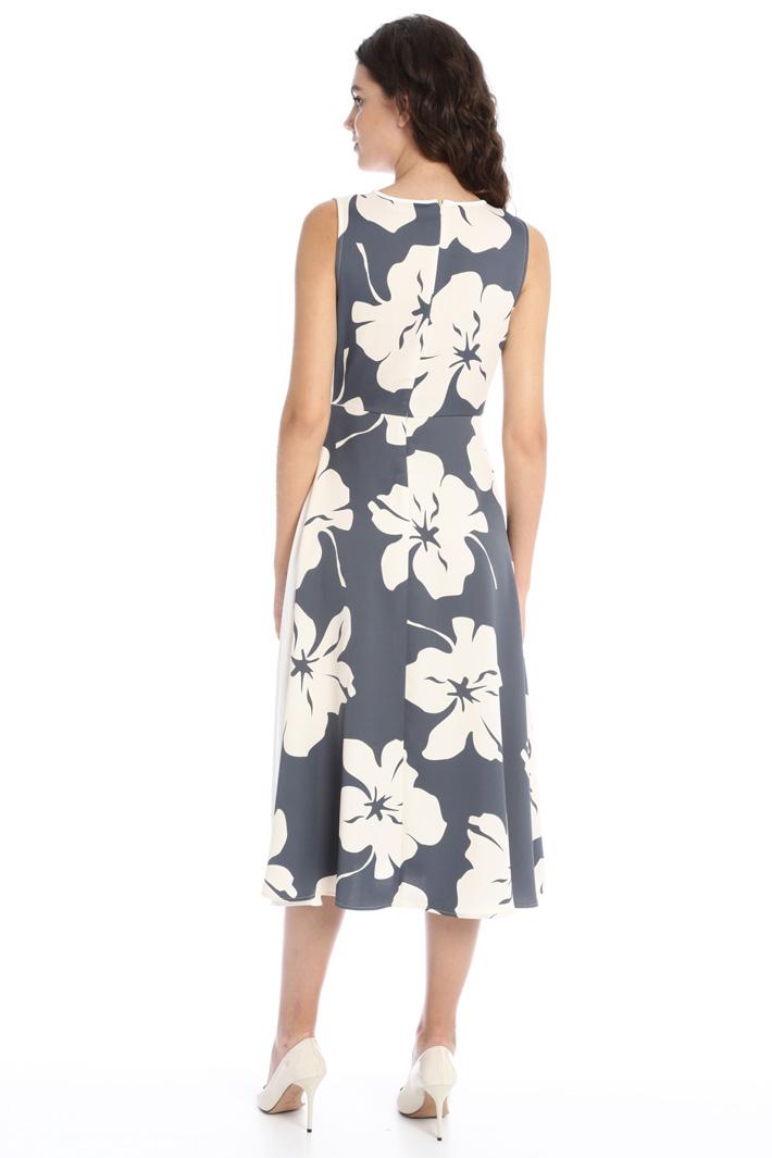 Contrasting panel dress Intrend