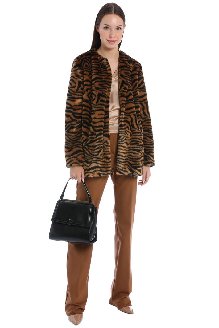 Fur-effect overcoat Intrend
