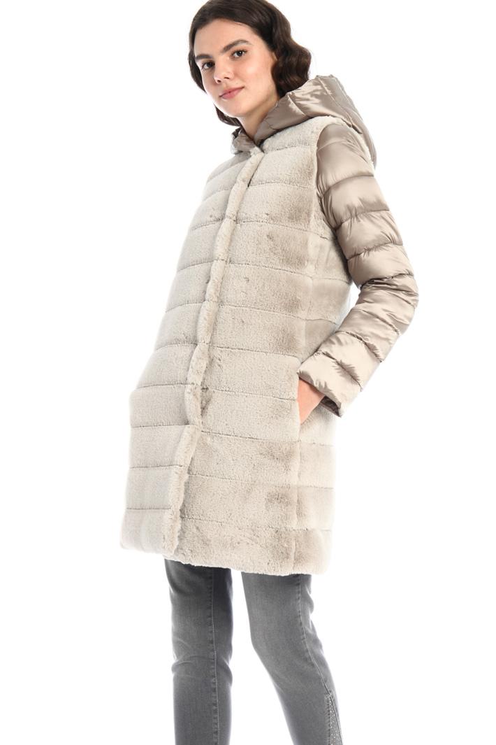 Fur-effect coat Intrend