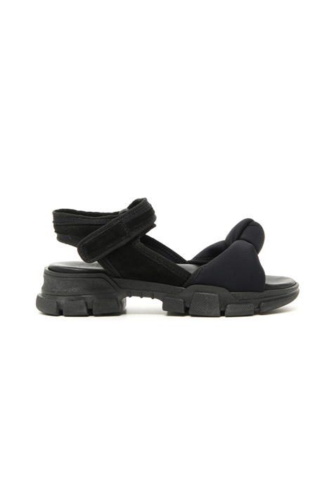 Sandals with treaded sole Intrend