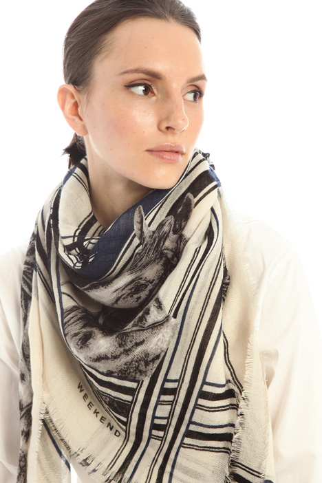 Wool yarn shawl Intrend