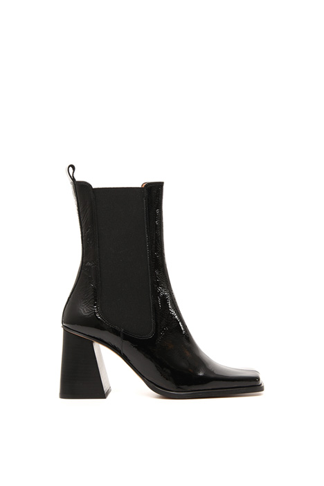 Varnished leather boots Intrend