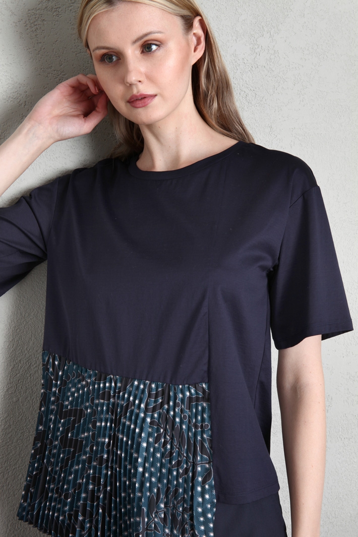 Pleated flounce T-shirt Intrend