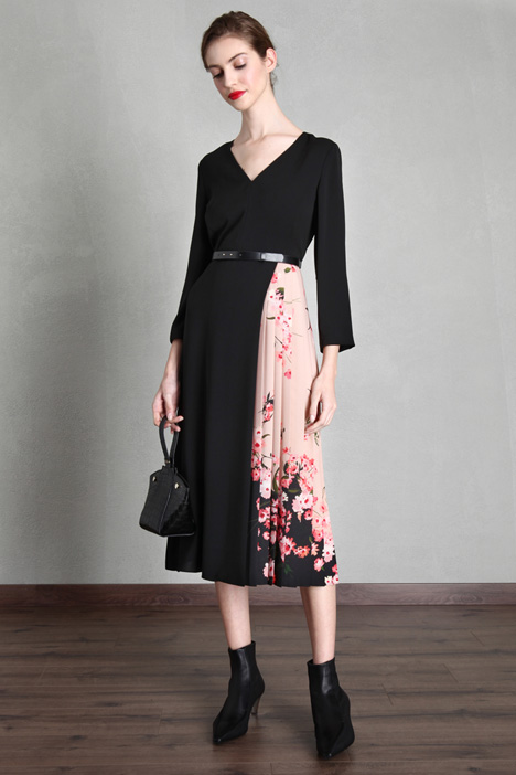 Cady and crepe dress Intrend