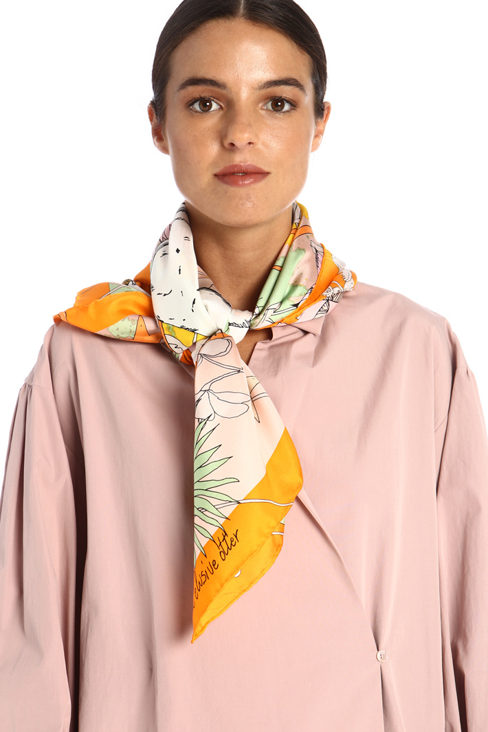 Silk twill scarf Intrend