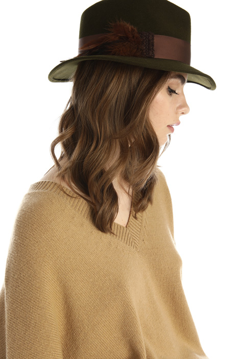 Feather detail hat Intrend