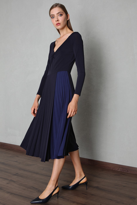 Pleated jersey crepe dress Intrend