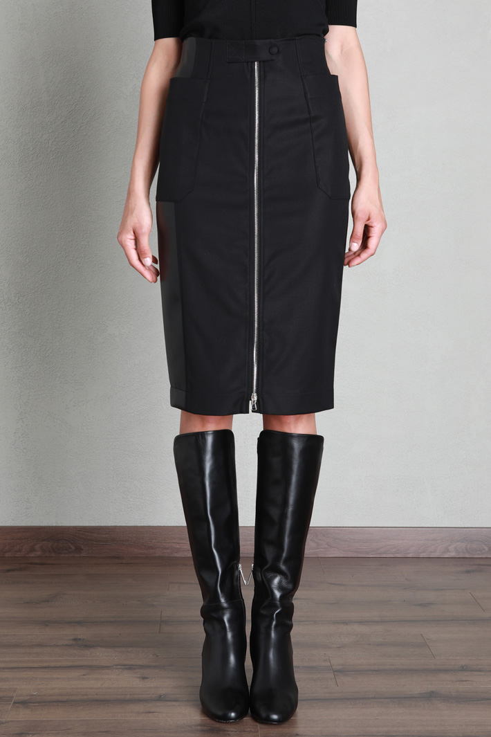Pencil skirt with maxi pockets Intrend