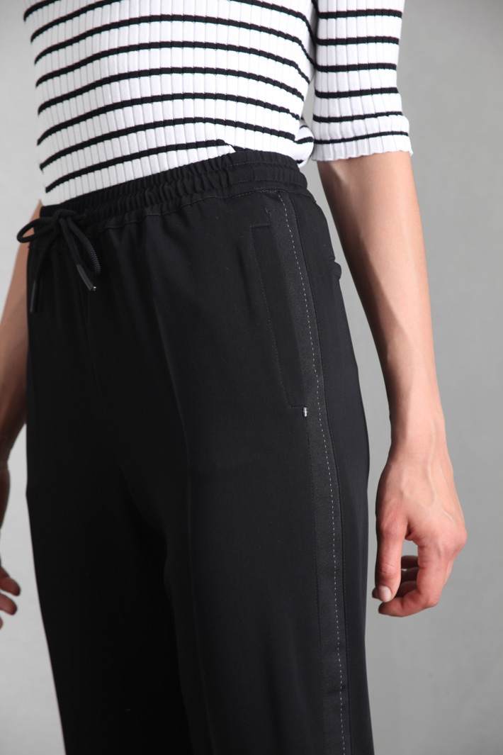 Trousers with side bands Intrend