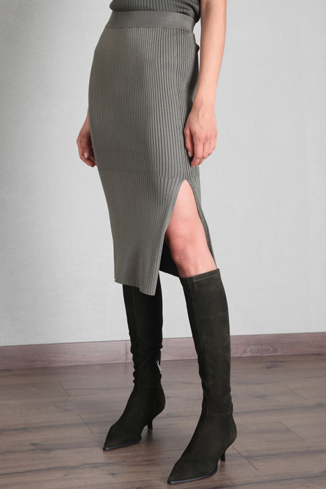 Knitted dress with slit Intrend