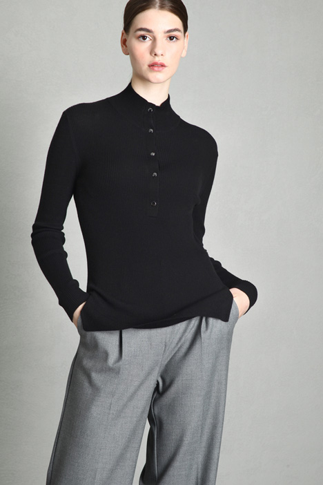 Fitted buttoned sweater Intrend