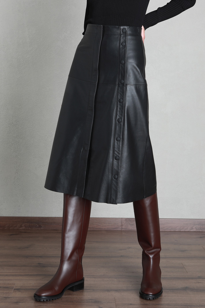 Flared leather skirt Intrend