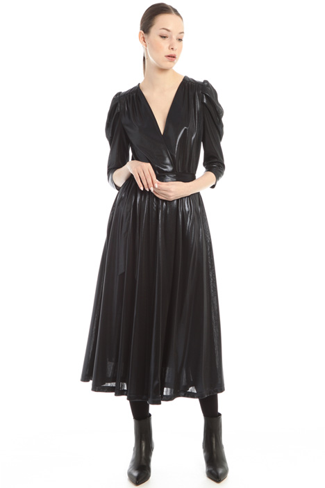 Laminated wrap-up dress Intrend