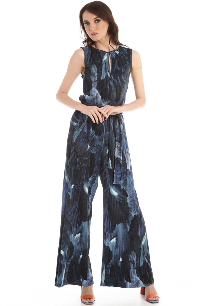 Shiny pleated jumpsuit Intrend